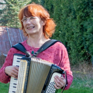 Karin Grunwald (D) – accordion, piano, vocals