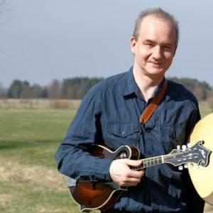 Michael Graefe (D) – guitar, bouzouki, lapsteel, mandolin